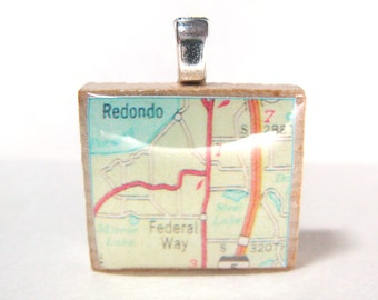 Federal Way, Washington - 1975 vintage Scrabble tile map pendant