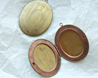 4 Vintage 1950s Art Nouveau Brass and Copper Lockets // Great Gatsby Charm