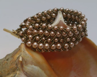 Pearly Girly Woven Bracelet