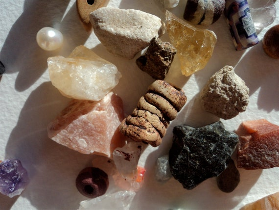 Lot of vintage beads and stones for jewelry/craft/collection