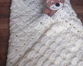 Creamy baby crochet blanket - ready to ship