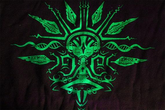 U.V. Reactive Meditating Alien IzWoZ Patch