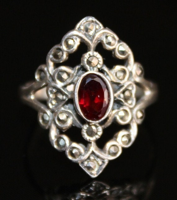 Lovely Art Nouveau Garnet Marcasite Sterling Silver Vintage Ring