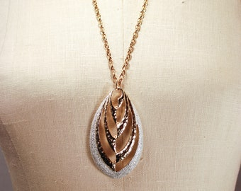Vintage Modernist 1974 Sarah Coventry Aura Pendant Necklace