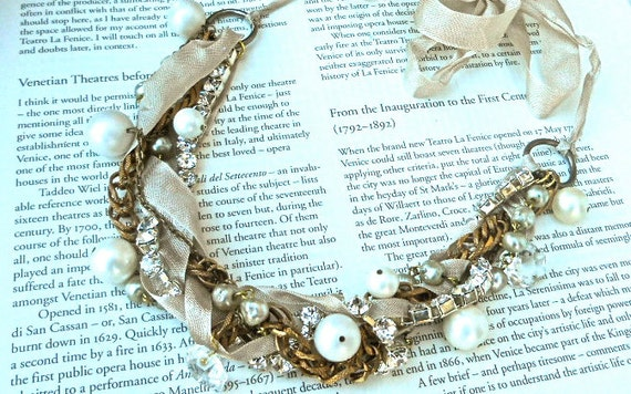 Pearl & Ribbon Bridal Necklace Vintage Gold Crystal Chunky Bridesmaid - New Year's Revolution Necklace