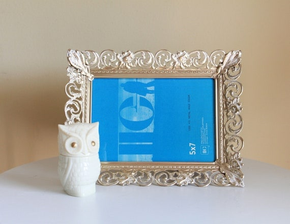 Retro Golden Metal Picture Frame - 5 by 7 Art Wall Frame