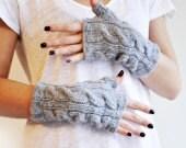 Warm Grey Mittens