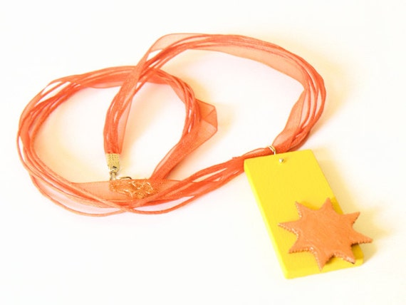 Wooden necklace with RECTANGLE and SUN pendant and orange organza