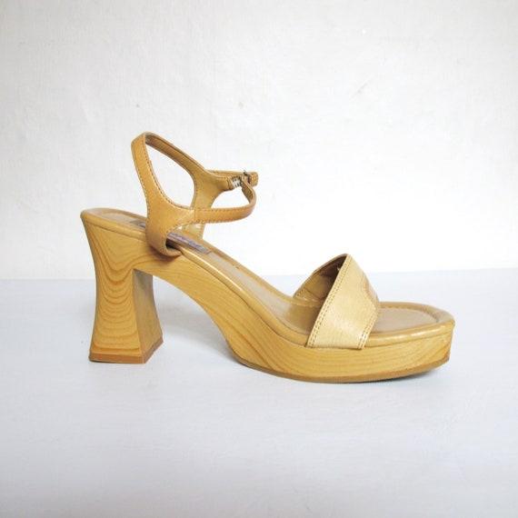 S A L E 90s Clueless Tan Strappy Platform Heels (8.5)