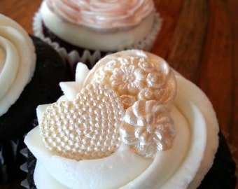 Fondant Buttons - Cupcake Toppers, Vintage wedding cake decoration,Shabby Chic Wedding cake