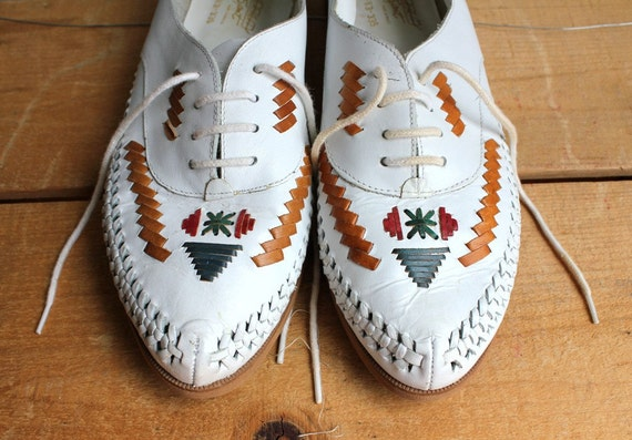 Vintage Ivory White Woven Leather Oxfords