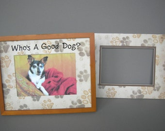 Personalized Photo Mat Decorated With Dog Paw Prints
