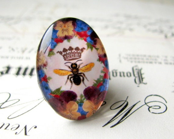 Queen Bee blue floral wreath - handmade 25x18 mm glass oval cabochon - 18x25mm 18mm 25mm 25 18 yellow,  flower, crown
