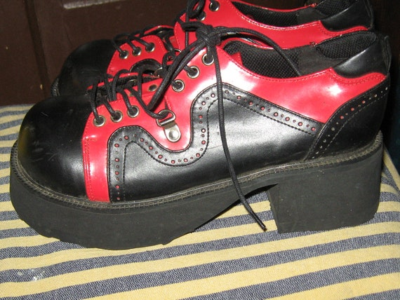 Vintage Goth Platforms by Demonia 2 tone red black sz 8
