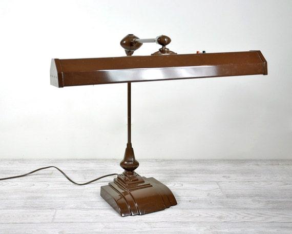 Vintage Mid Century Desk Lamp / Swing Arm Lamp / Industrial Lighting