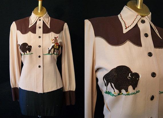 On Hold Rockin 1940's / 1950's rayon gabardine brown western blouse buffalo Indian embroidery vlv rockabilly - size Medium Large