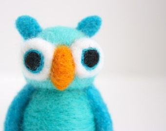 Needle felted funny turquoise owl