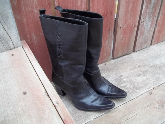"""Vintage Cowboy Boots, Black Leather, Pointy Toe, Stacked 3"""" heel, Ladies size 9"""