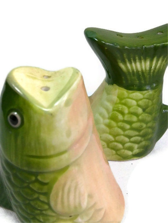 Vintage Fish Salt and Pepper Shaker set