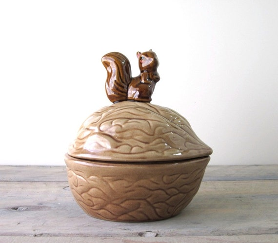 Squirrel and Nut Dish Lidded Bowl