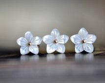 White Mother of Pearl Shell Flower Beads 9mm -V1055 / 10Pcs
