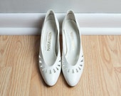 RESERVED - - Shoes Heels Pumps White Leather Triangle Cutout Wedding Avant Garde Geometric Vintage Size 7.5 N