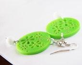 neon green earrings - floreal flower summer plexiglass and white beads