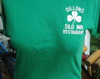 vintage tshirt DILLON S SILO INN Irish shamrock Green Restaurant