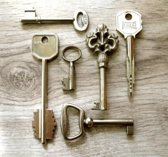 RESERVED - Skeleton Keys - Silver Ornate Iron Furniture Old Key Supplies - 6 Vintage Antique Supplies - Europeanstreetteam .(S-57).