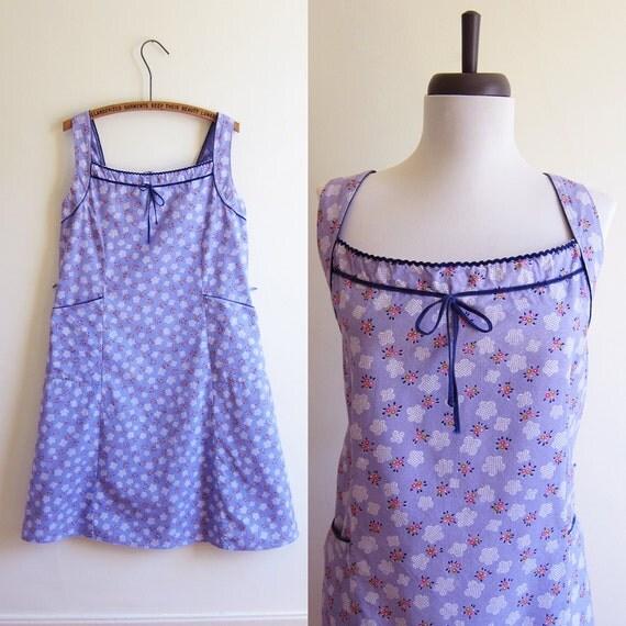 Vintage 1960s Dress / Periwinkle LAVENDER FLORAL Print Cotton Dress / Size Medium