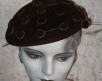 Fab 1930s 1940's  Chocilate Brown Hat  With Dots The Pictures Do Not Do This Justice