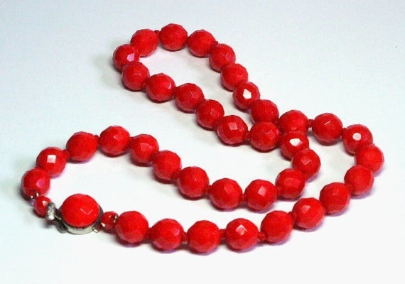 Red Glass Bead Necklace with Faceted Glass Beads Retro Moderne Jewelry Hand Knotted and Decorative Clasp