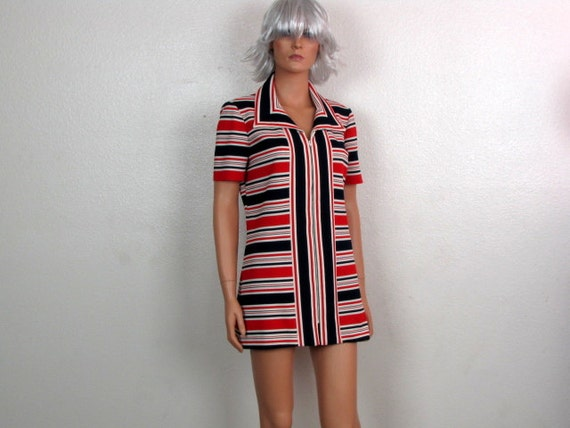 Red White and Blue 1960s Vintage Mod Mini London Dress or Tunic Top, Zipper Front