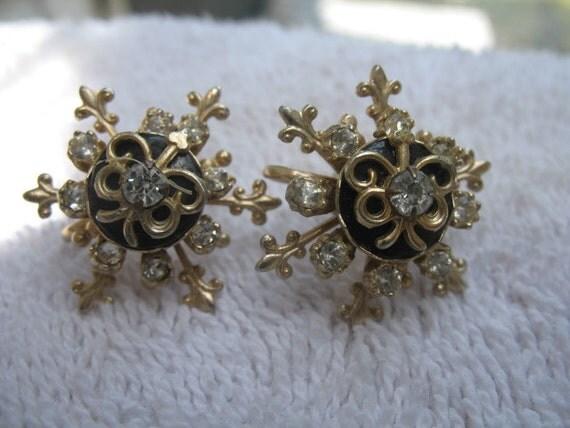 Vintage Rhinestone Earrings..........Screwbacks.......Srar Burst Crystal Rhinestones...........