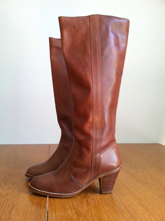 1970's GORGEOUS STACKED HEEL boot