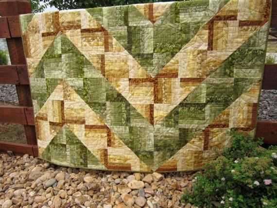 Handmade Quilt Green to Gold, Wall Quilt, Patchwork Quilt, Lap Quilt