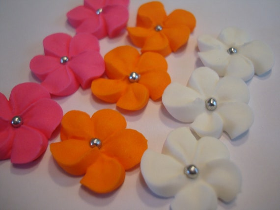 Cake Decorating Coloured Balls : Lot of 100 Royal Icing Flowers w/ silver sugar balls for Cake