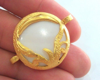 28 mm Mother of Pearl Connectors, Gold Plated Brass  Bezel ,  Pendants  G773