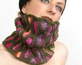 neck warmer turtle neck tube scarf knit honeycomb motif olive green hot pink purple rainbow winter fashion tagt team teamt