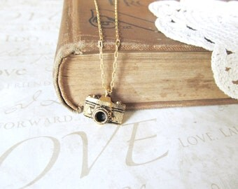CAMERON camera charm necklace (gold or silver)