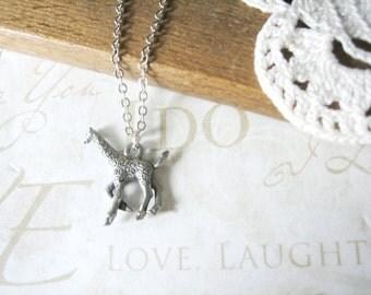 LEGGS giraffe charm necklace (silver)
