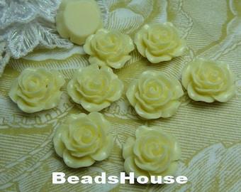 698-00-CA 8pcs (15mm) High Quality Rose Cabochon-Cream