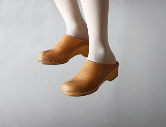 leather clogs 10.5 / 11