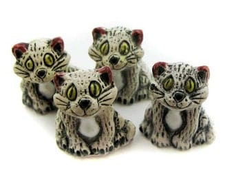 4 Large Cute White Cat Beads