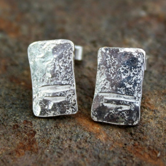 Silver notched studs
