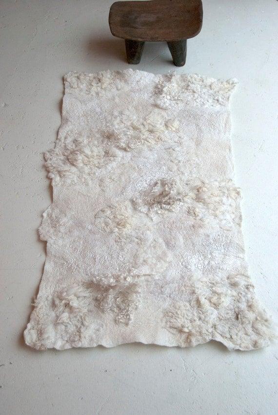 hand gevilt vloerkleed 'whitescape'