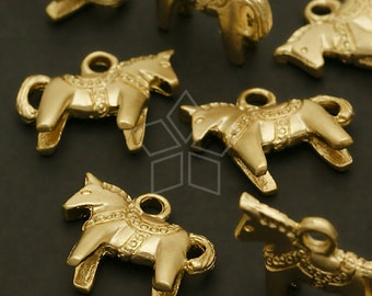 PD-499-MG / 4 Pcs - Horse Charm Pendants, Matte Gold Plated over Pewter / 14mm x 12mm