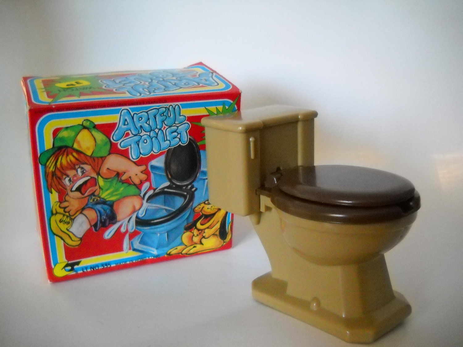 Vintage Toy Potty : Vintage artful toilet water squirt gag toy no hong kong
