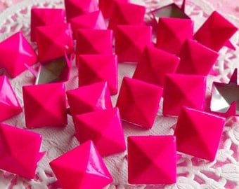 Rivet / DARK PINK Metal Pyramid Rivet Studs / Square Rivet 12mm (around 50pcs) for Cell Phone Deco / Leather Craft / Jean Button, etc RT08