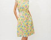 sale - Vintage 1970s Shift Dress - 70s Summer Dress - Bright Floral Print